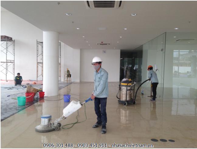 Công trình sau xây dựng thường có rất nhiều bụi bẩn và nếu không được vệ sinh đúng cách sẽ rất khó để loại bỏ chúng